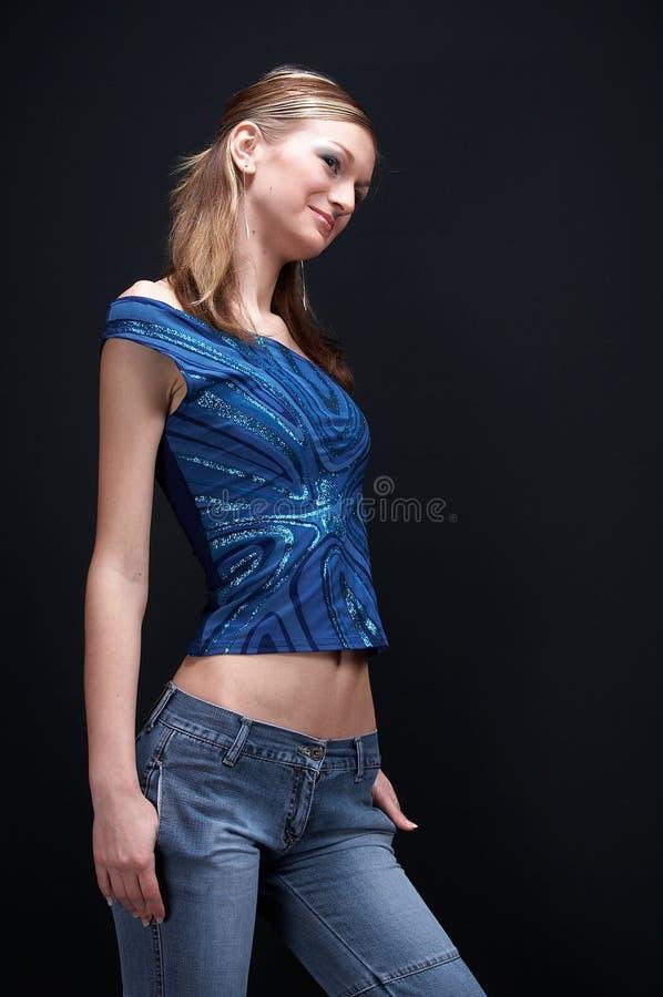 Blonde che propone 02 fotografia stock libera da diritti