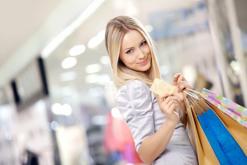 Blonde de compra fotos de stock royalty free