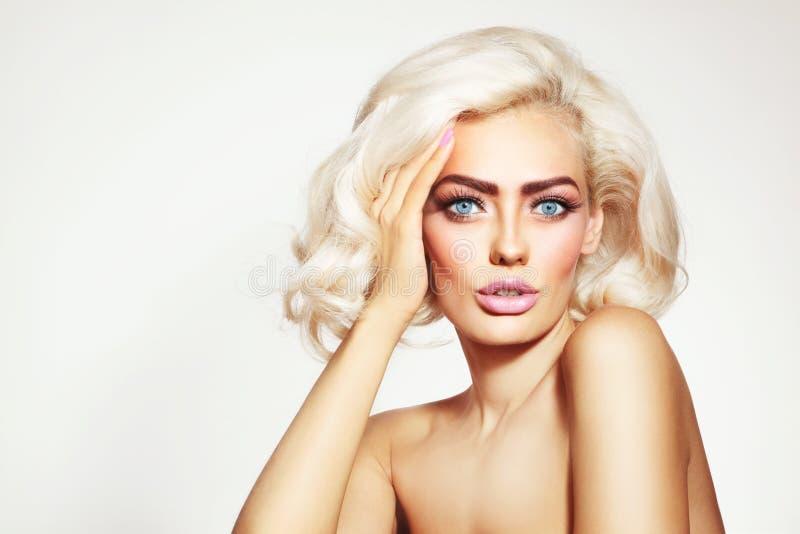 Blonde del platino imagen de archivo libre de regalías