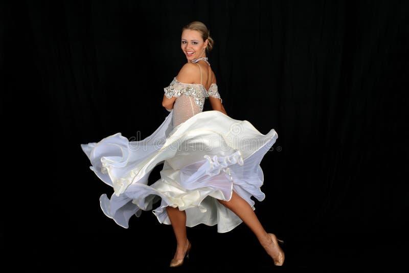Blonde en danza foto de archivo