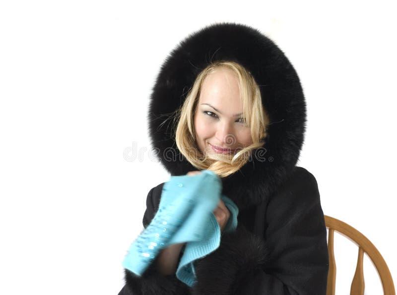 Blonde en un abrigo de pieles fotos de archivo libres de regalías