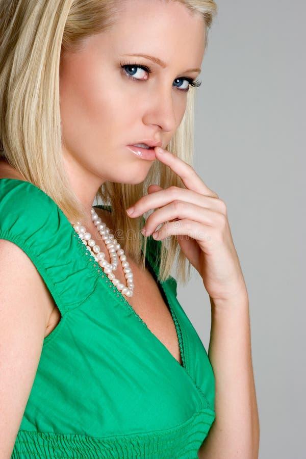 Blonde Frau lizenzfreie stockfotografie