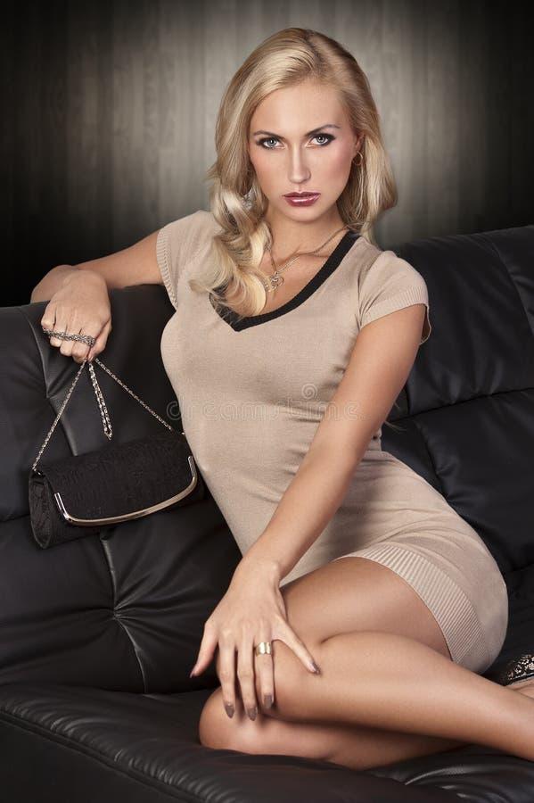 Luxury Blonde Deepfucking On White Couch