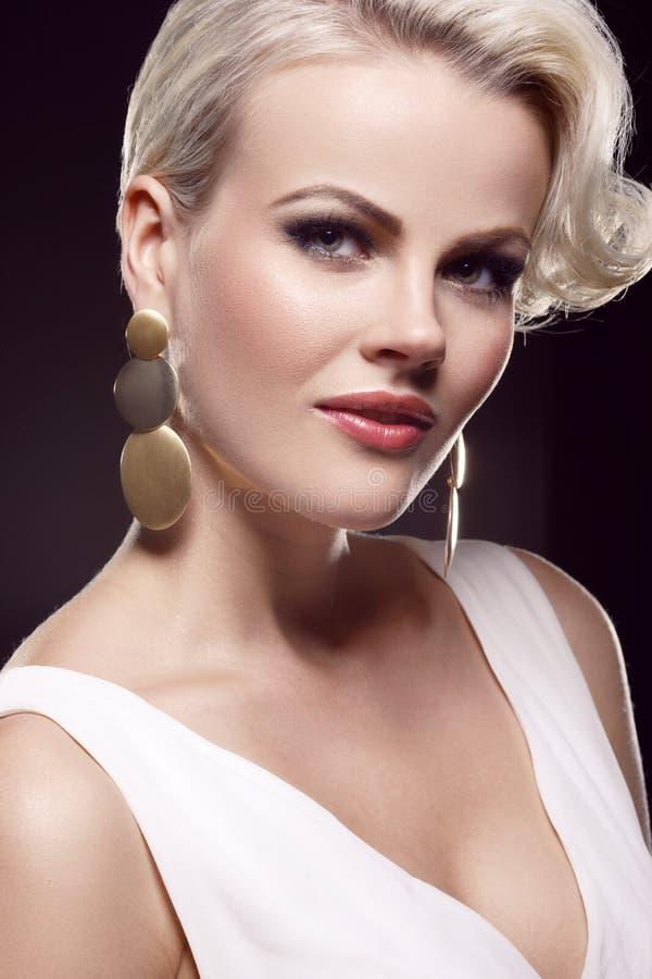 Blonde magnifique images stock