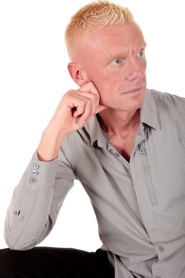 Blonde Mannvierziger Nachdenklich Lizenzfreie Stockbilder