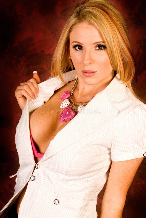 Blonde nella parte superiore aperta sexy immagine stock libera da diritti