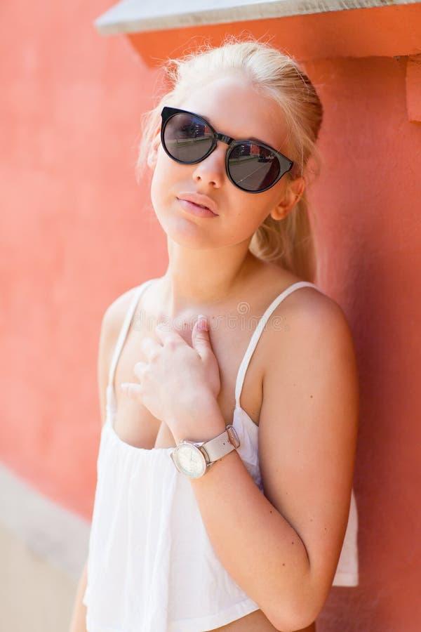 Top blonde teens, topless female slaves boxing stories