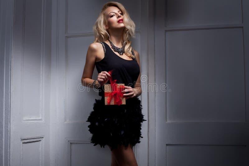 Blonde vrouw stock foto