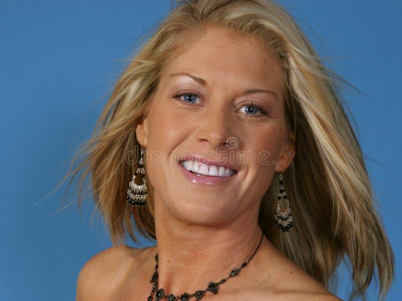 Blonde Vrouw op middelbare leeftijd royalty-vrije stock fotografie