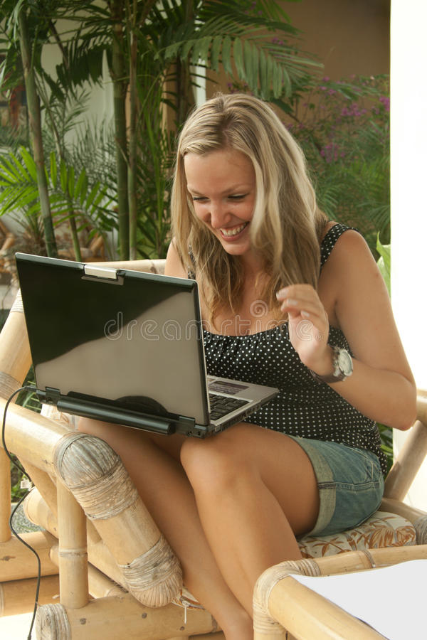 Free Blonde Woman With Notebook Happy Royalty Free Stock Images - 18199659