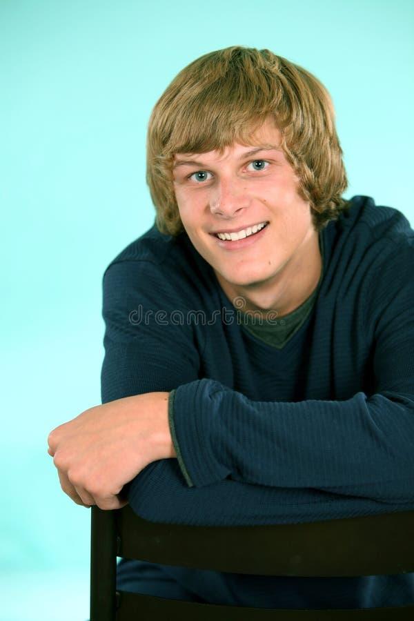 Blonder jugendlich Junge stockbild