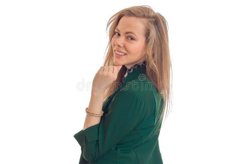 Blondes bastante asombrosos horizontales del retrato que sonríe en la cámara foto de archivo