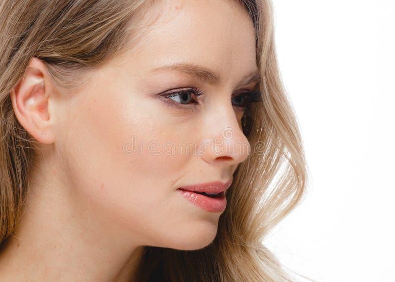 Blondes Haar-Frauen-Schönheit Skincare-Porträt Alterskonzept Badekurort Salo lizenzfreie stockfotos