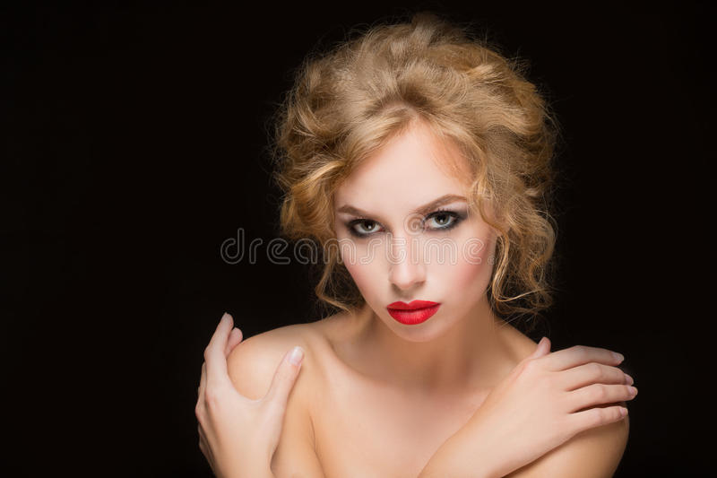 Blondes Haar Schönes reizvolles blondes Mädchen stockfotos
