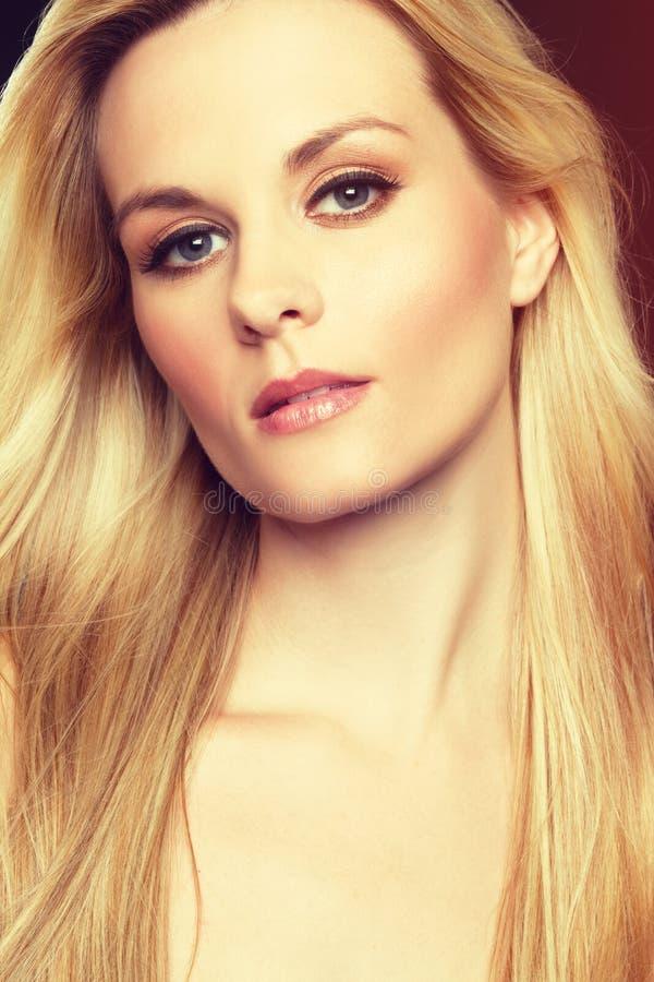 Blondes Mädchenportrait stockbilder