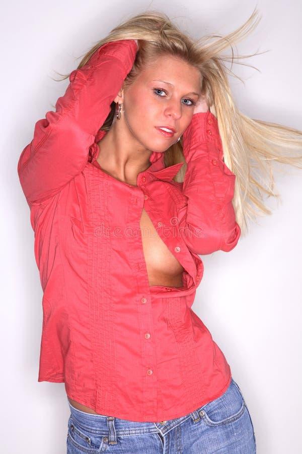 blondinen dansar flickadeltagaren fotografering för bildbyråer