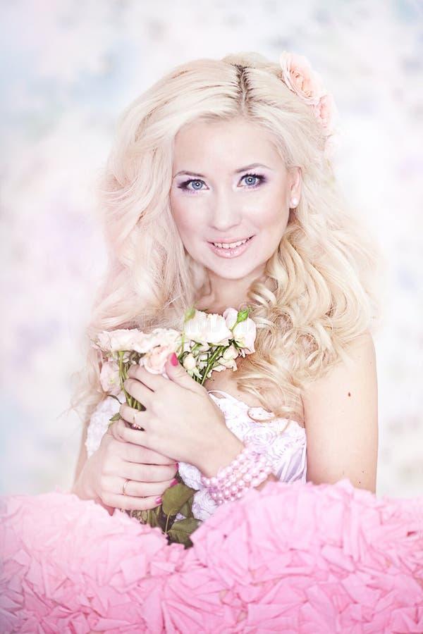 blondynów mody włosiani fotografii kobiety potomstwa zdjęcia stock