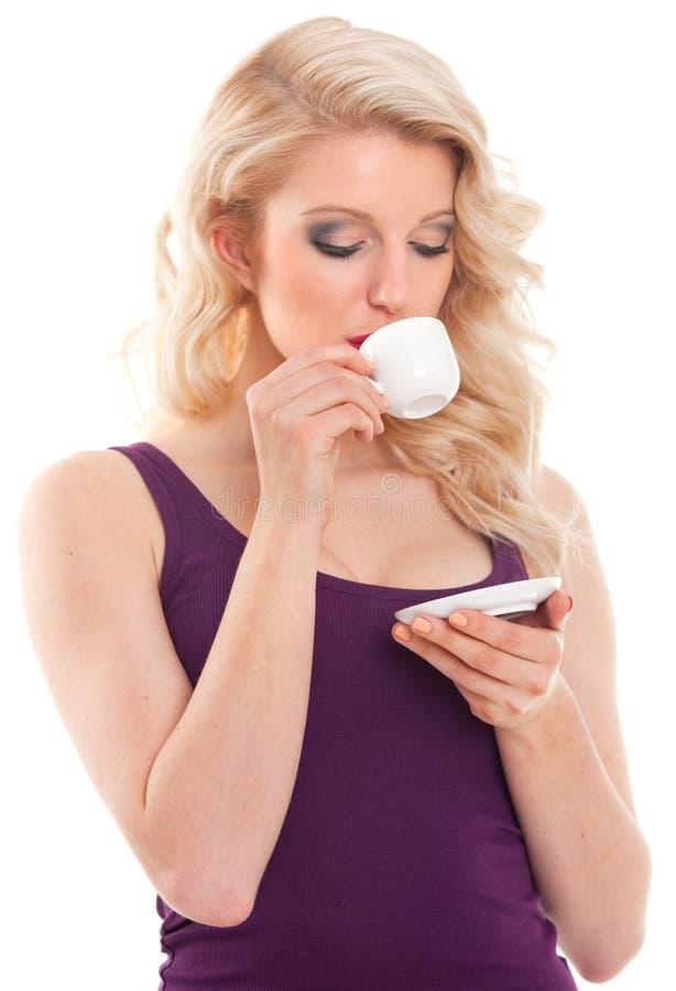Blondyn kobieta pije kawę obraz royalty free