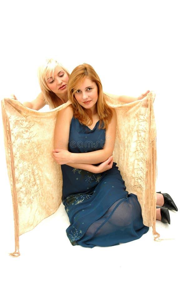 blondyn z niebieskimi włosami kontra czerwony zdjęcia royalty free