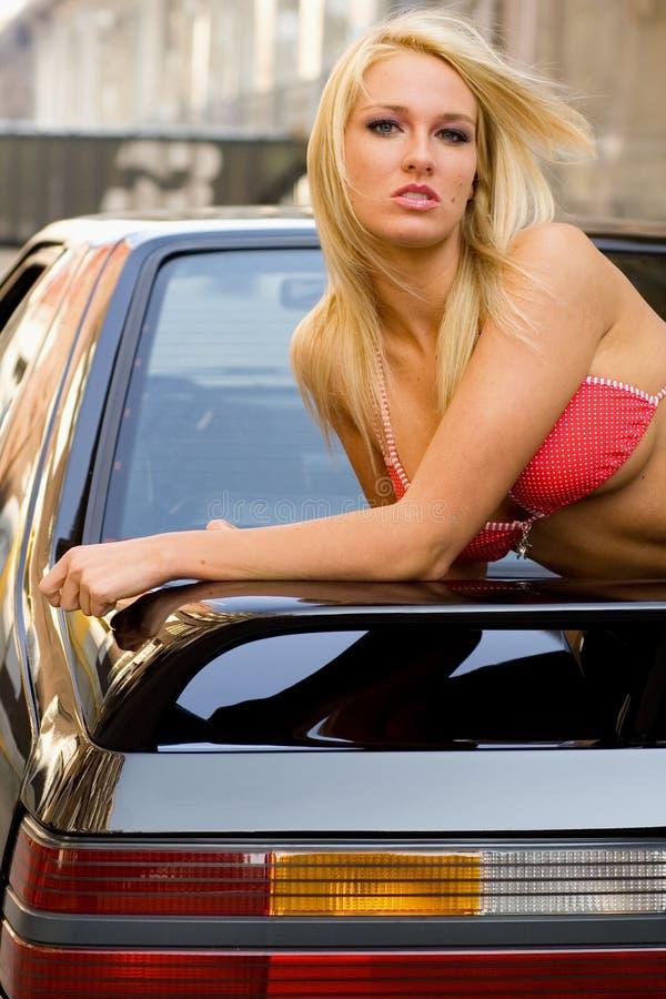 blondynka samochód sportowy zdjęcie stock