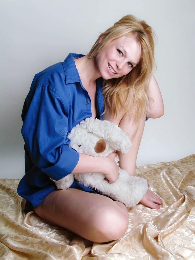 Blondynka w błękicie zdjęcie royalty free