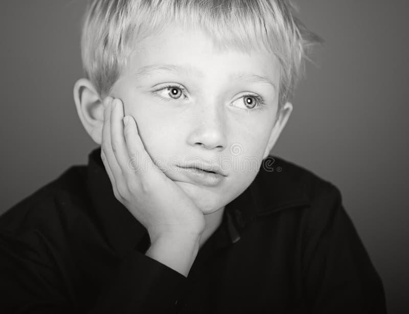 blondynki chłopiec deprymuję target557_0_ obrazy royalty free