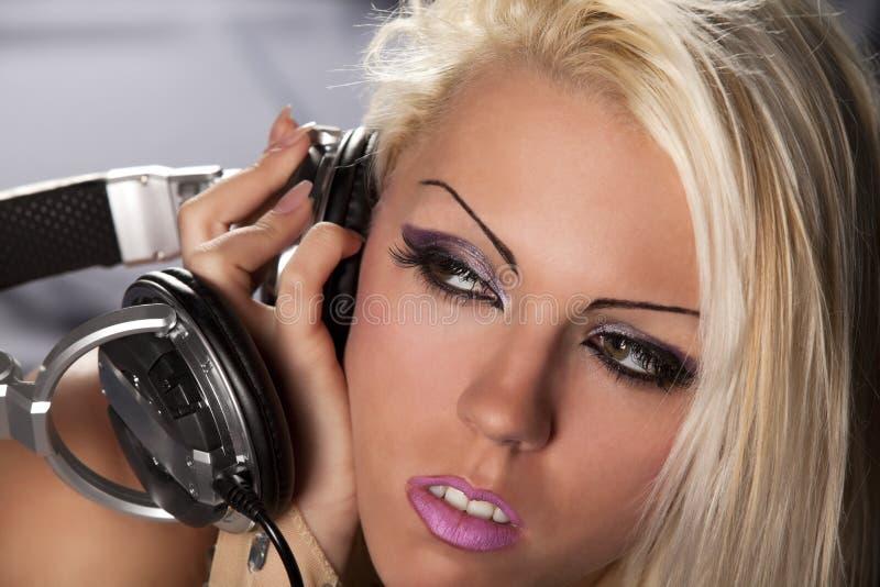 blondynki dj hełmofon zdjęcia stock