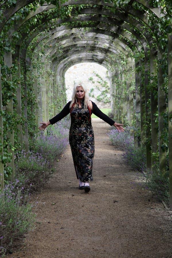 Blondynki dziewczyna. zdjęcia royalty free