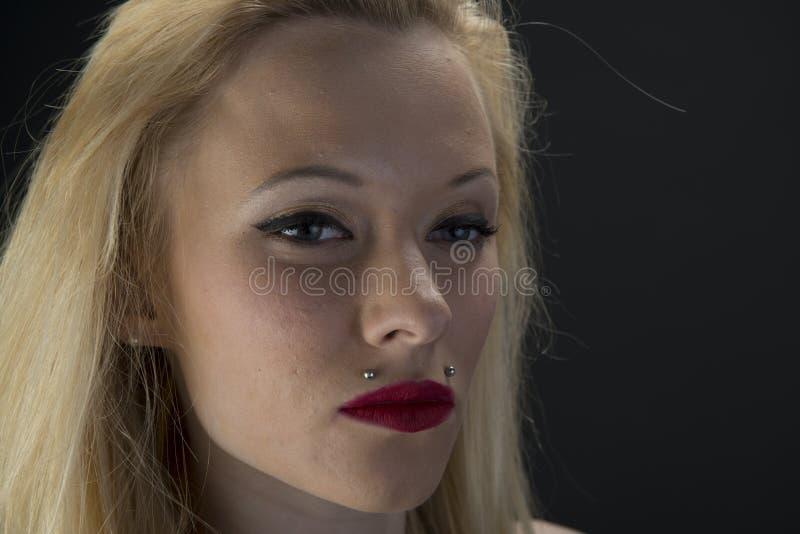 Blondynki dziewczyna zdjęcia royalty free