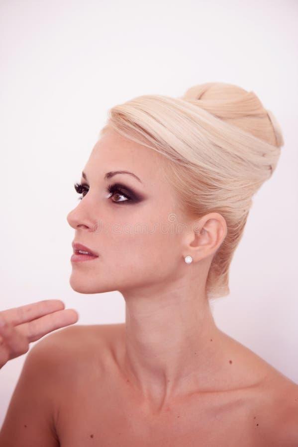 Download Blondynki kobieta z makeup obraz stock. Obraz złożonej z grępla - 57659235