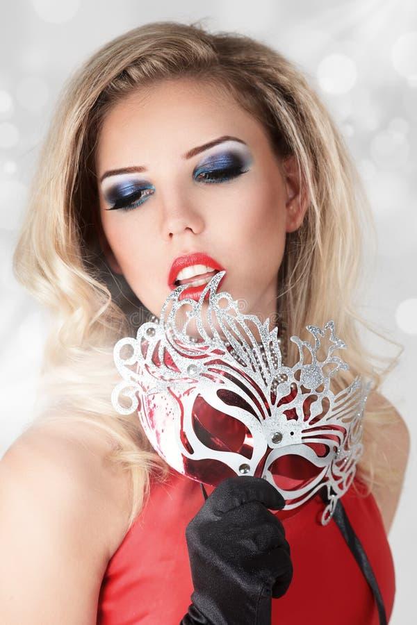 Blondynki piękna młoda kobieta zdjęcie stock