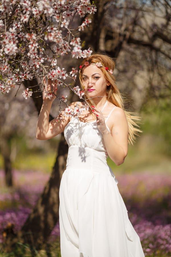 Blondynki romantyczna kobieta obraz stock