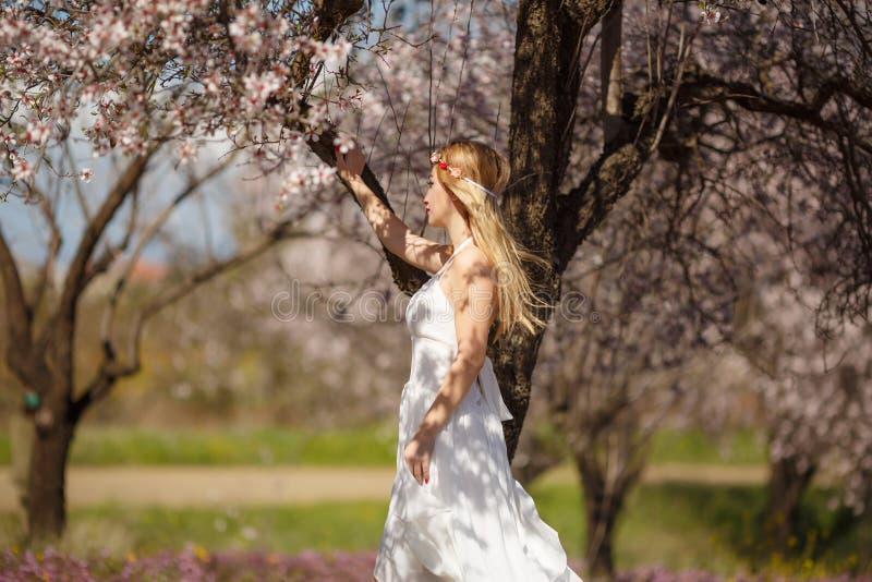 Blondynki romantyczna kobieta zdjęcia royalty free