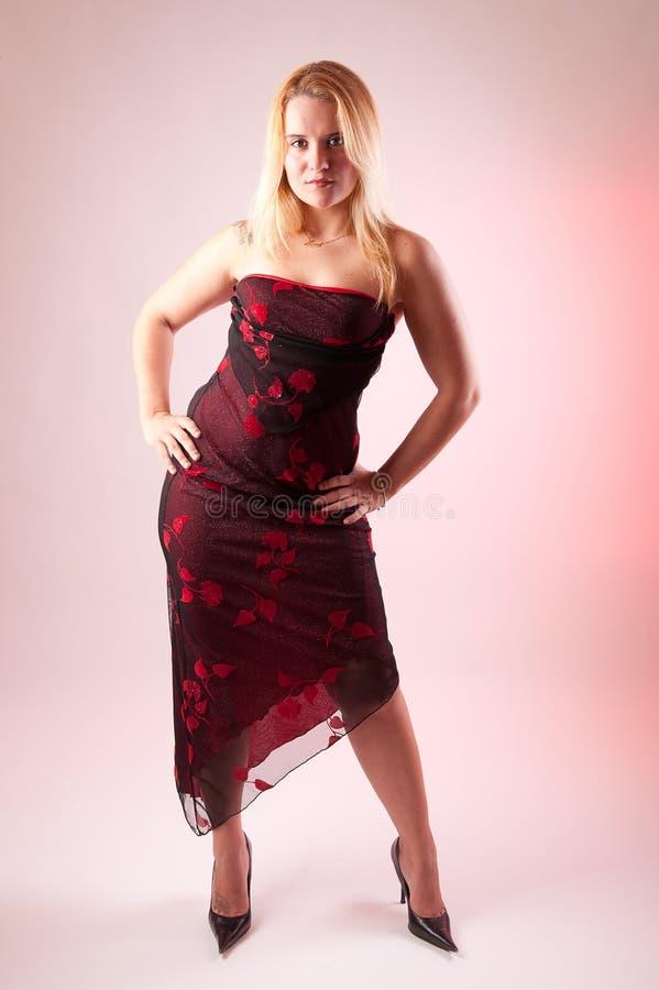 blondynki smokingowa żeńska pięt wysokość tęsk model obrazy royalty free