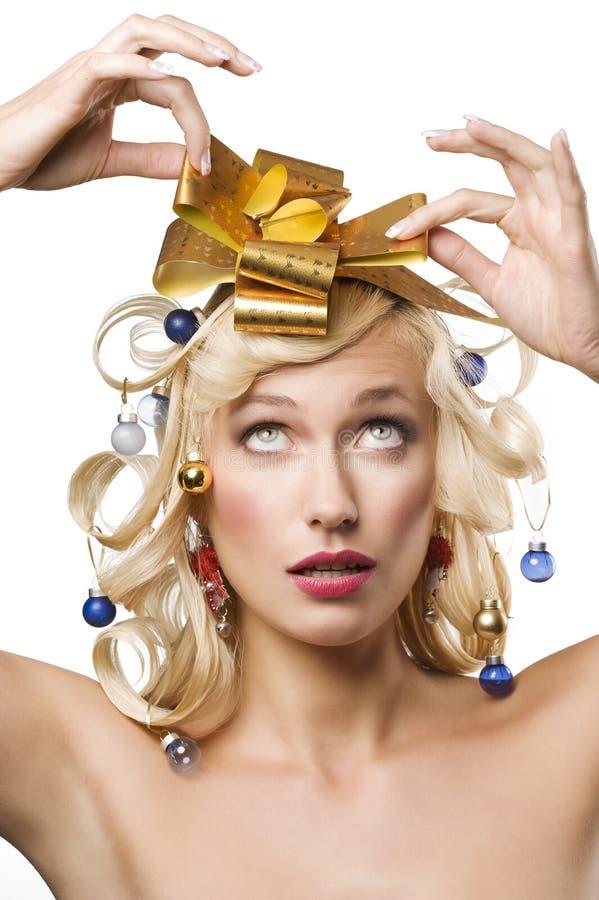blondyny kłaniają się złotej kobiety obrazy royalty free