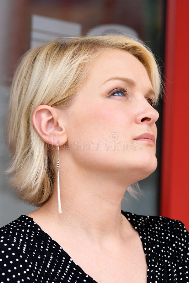 blondyny target1908_0_ w górę kobiety zdjęcie royalty free