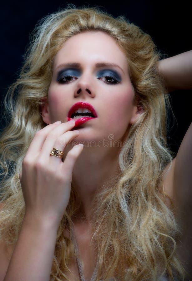 Blone piękna młoda kobieta fotografia stock