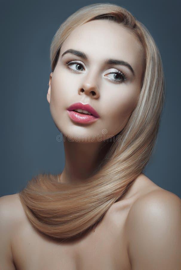 blont hår long fotografering för bildbyråer