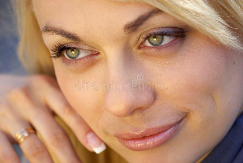blont kvinnabarn arkivfoton