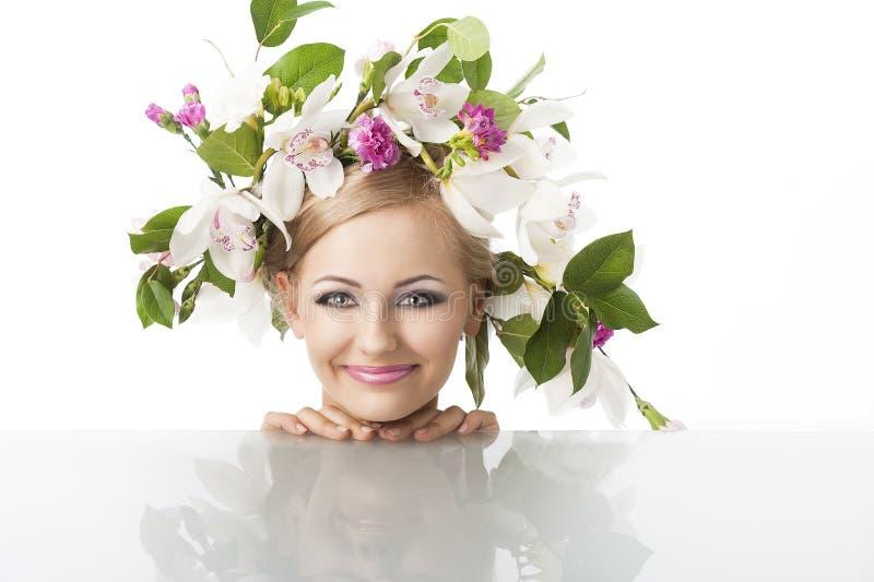 blont nätt kronablommahuvud fotografering för bildbyråer