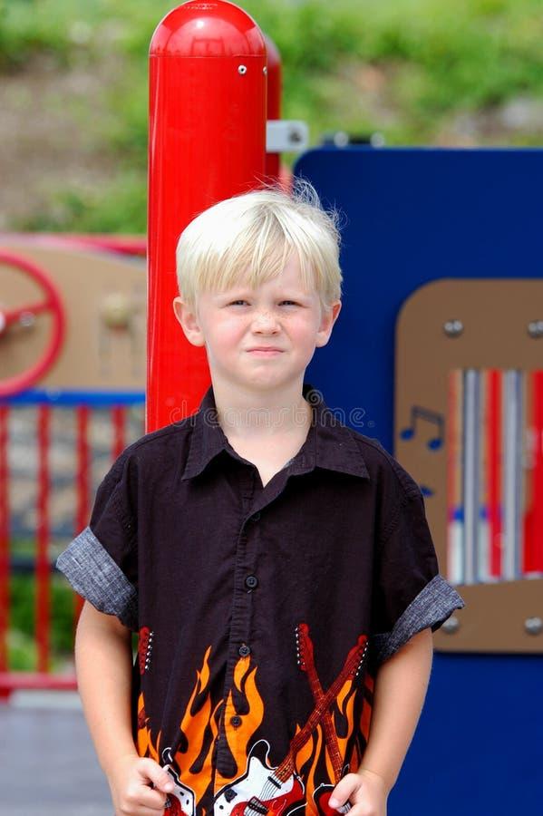blont pojkebarn royaltyfria bilder