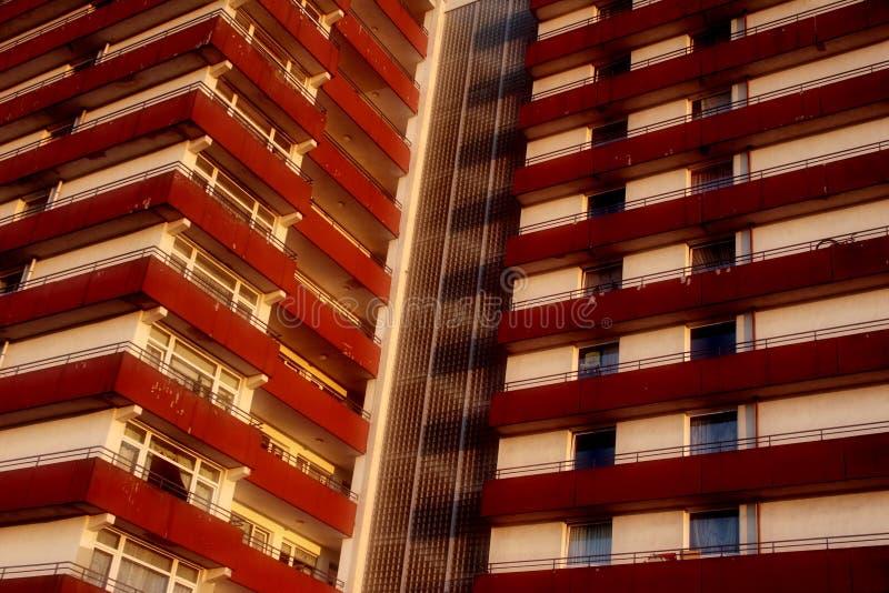 Bloque de apartamentos de Plattenbau fotografía de archivo libre de regalías