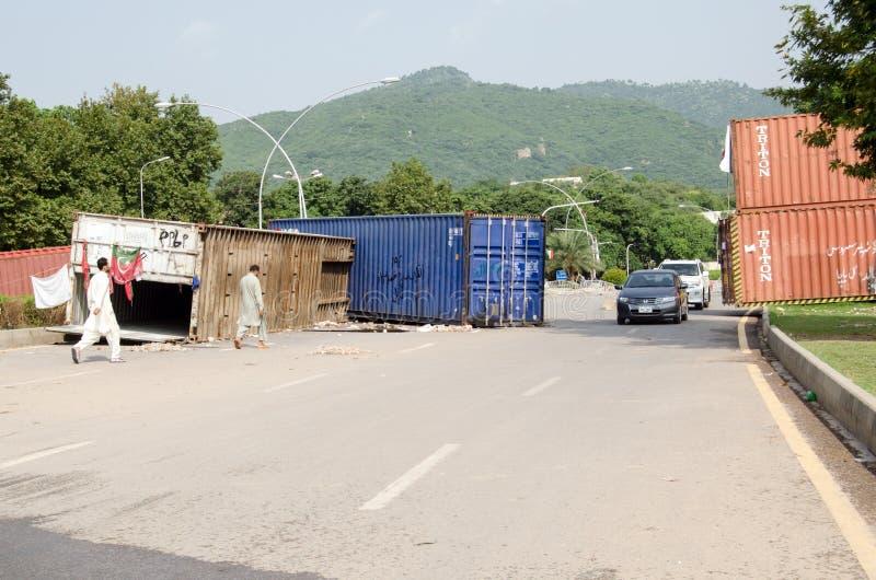 Bloque de camino de la protesta, Islamabad imagen de archivo