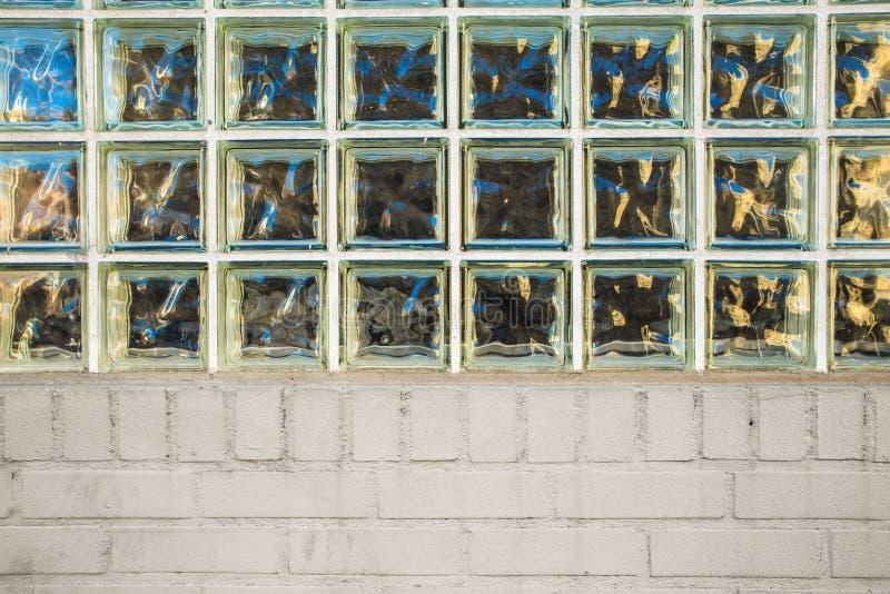 Bloque de cristal y ladrillo fotografía de archivo