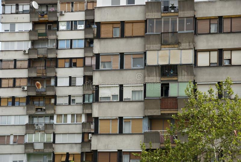 Bloque socialista típico en Serbia imagenes de archivo