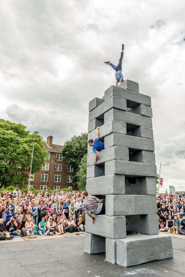 BLOQUEE el funcionamiento de la danza en Greenwich y los Docklands internacionales imagenes de archivo