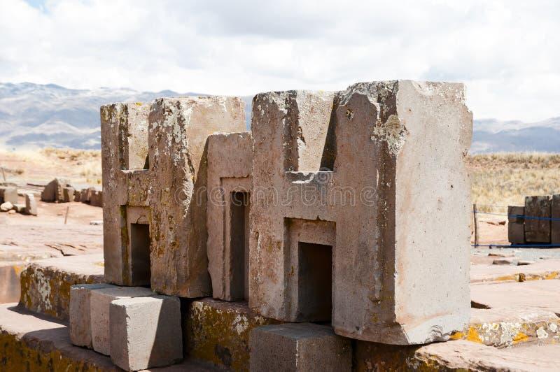 Bloques de la piedra de Punku del puma - Bolivia imagen de archivo