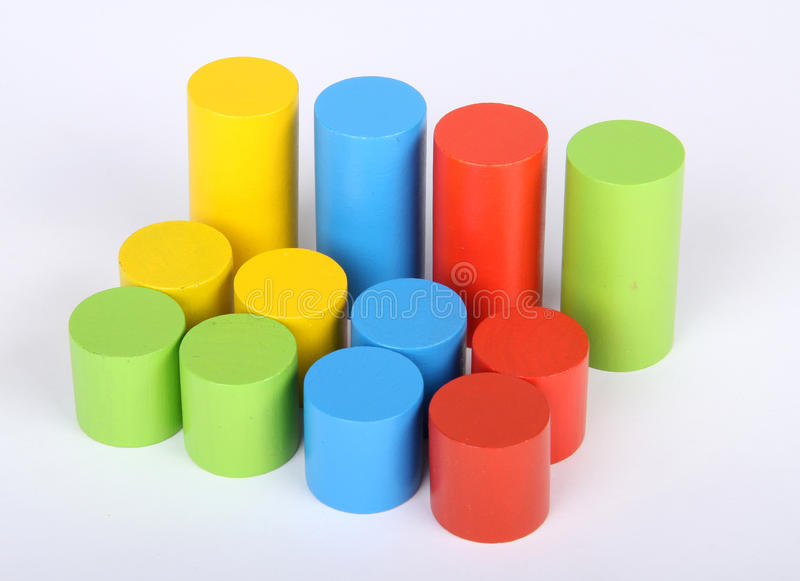 Bloques de los juguetes, ladrillos de madera multicolores del edificio, fotografía de archivo