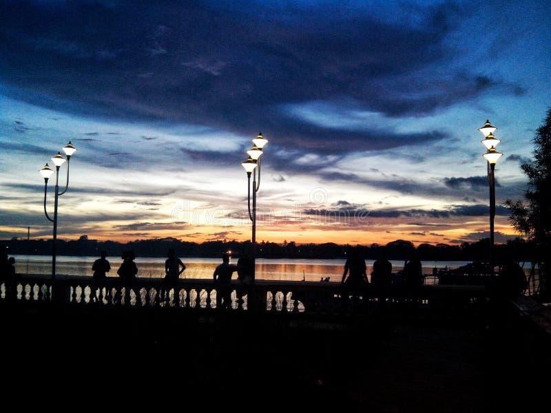 Blu della riva del fiume immagini stock libere da diritti