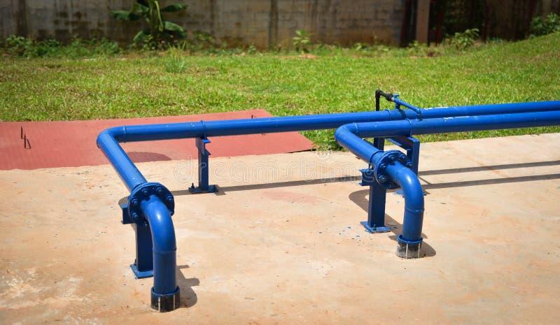 Blu della tubatura dell'acqua fotografie stock